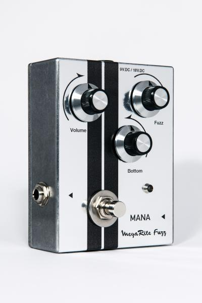 Overdrive, distortion & fuzz effect pedal Mana Megarite Fuzz