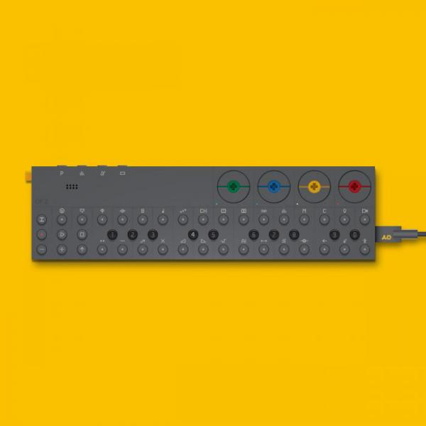 Synthesizer Teenage engineering OP-Z